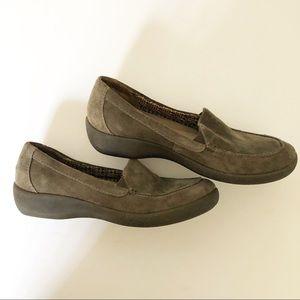 Easy Spirit Loafers